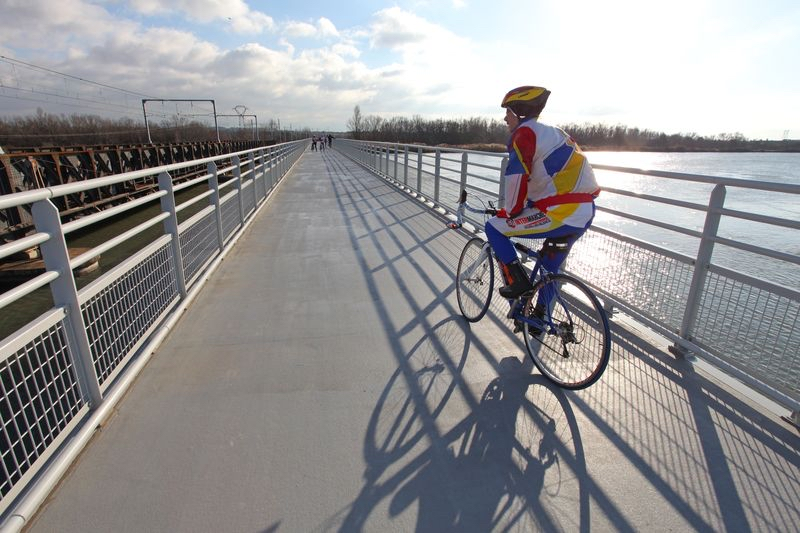 2012 – Pont De L'isère